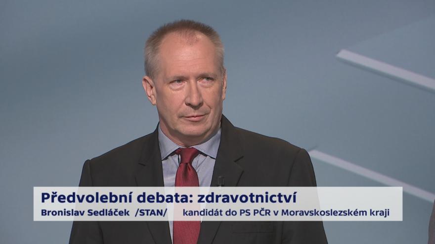 Video Sedláček a Mackovík o platech ve zdravotnictví