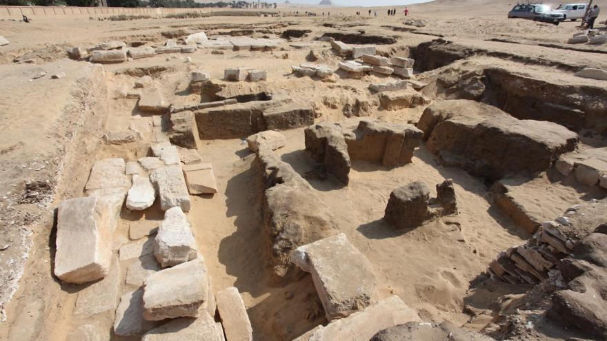 Video Objev chrámu v Abú Síru