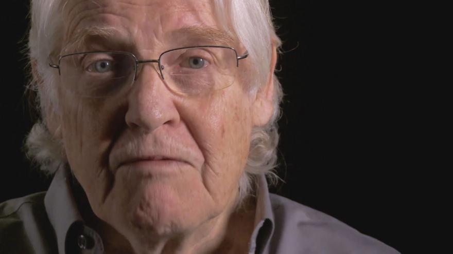Video Příběhy 20. století/Ponížení: Paul Wilson