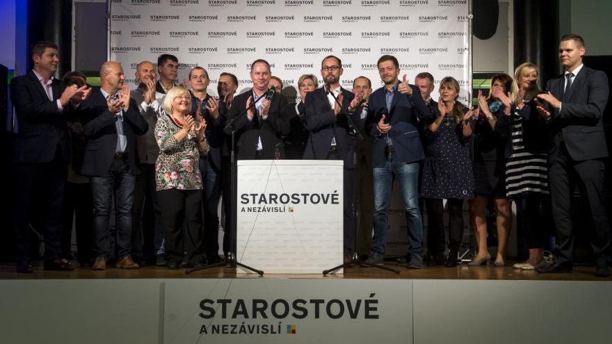 Video Povolební brífink strany Starostové a nezávislí (STAN)