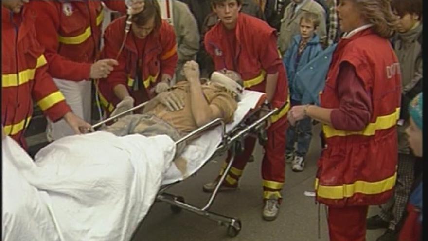 Video Vyprošťování zraněných z domu na náměstí Svobody