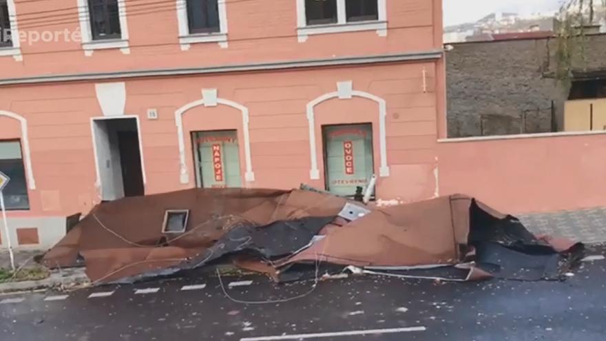 Video Ústí-Střekov: Spadlá střecha