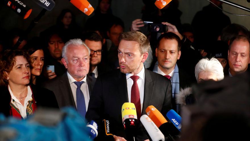 Video Jaroslav Šonka, publicista a odborník na SRN: Ústavně to v Německu funguje tak, že spolkový prezident nejede nikam do zahraničí v případě, kdy by měl působit na domácí scéně.