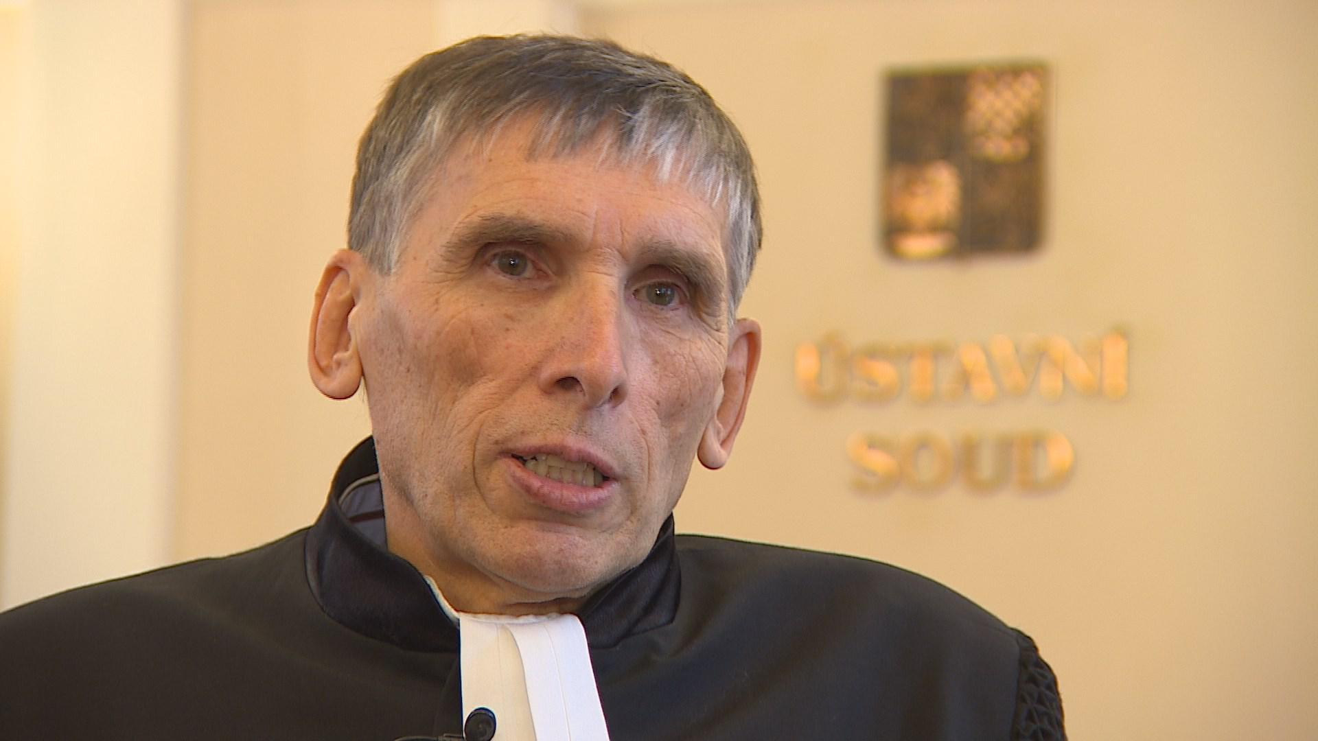 Video Soudce zpravodaj Ludvík David vysvětluje nález Ústavního soudu