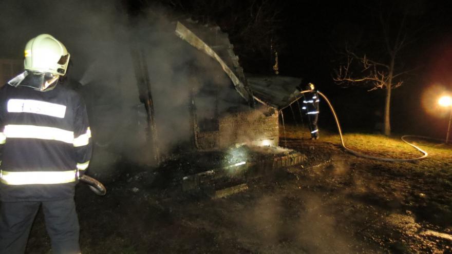 Video Požár chatky v Brně