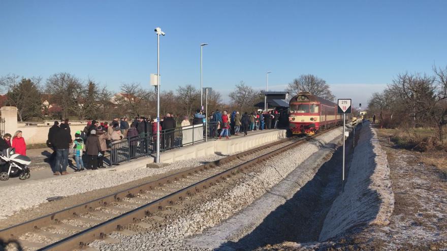 Video Nová zastávka i opravy starých nádraží