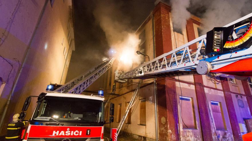Video Požár bývalé textilky Karnola