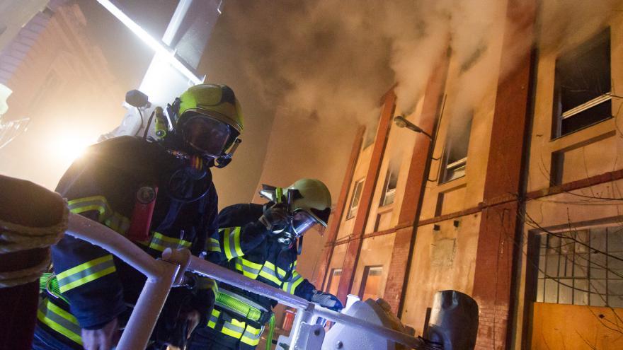 Video Devadesátka ČT24: Požár národní kulturní památky v Krnově