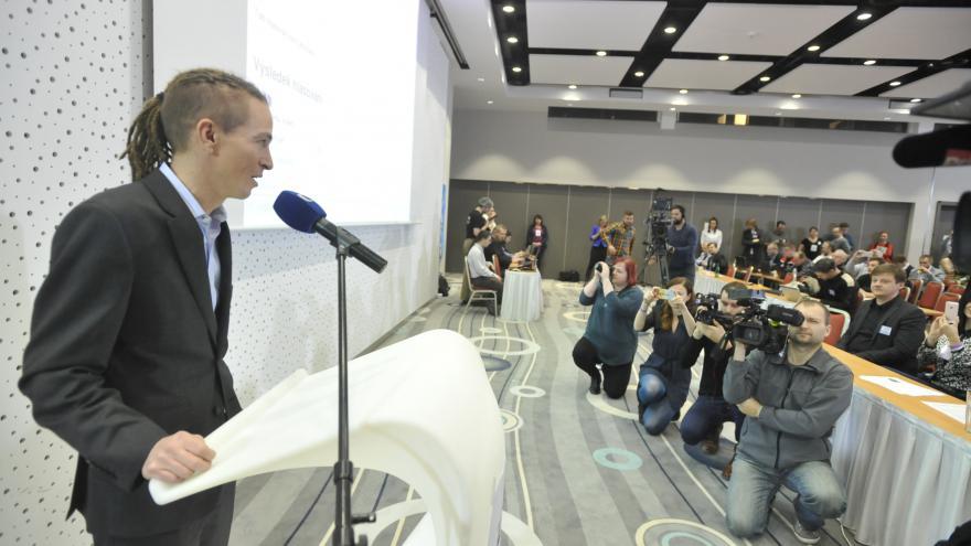 Video Ivan Bartoš po svém znovuzvolení předsedou Pirátů
