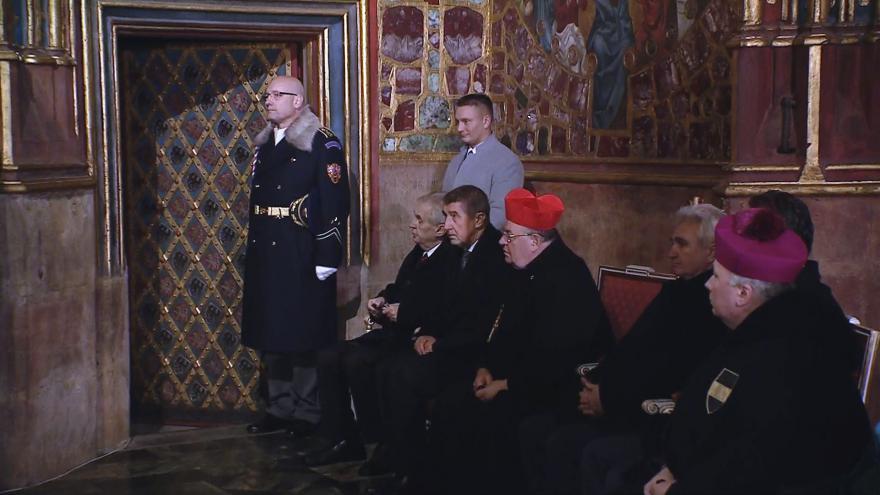 Video Korunovační klenoty se vrátily do Korunní komory
