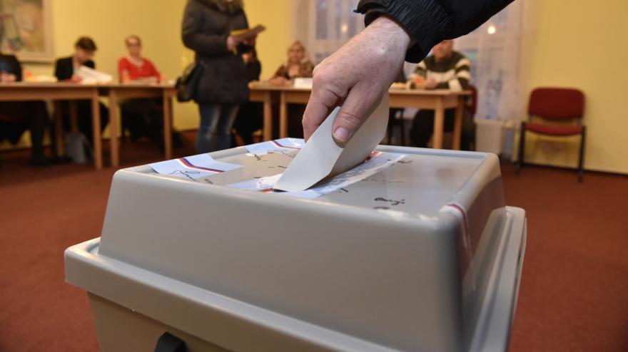 Video Události ČT: Hlasy voličů mají v různých krajích odlišnou váhu. Poslanci to chtějí změnit