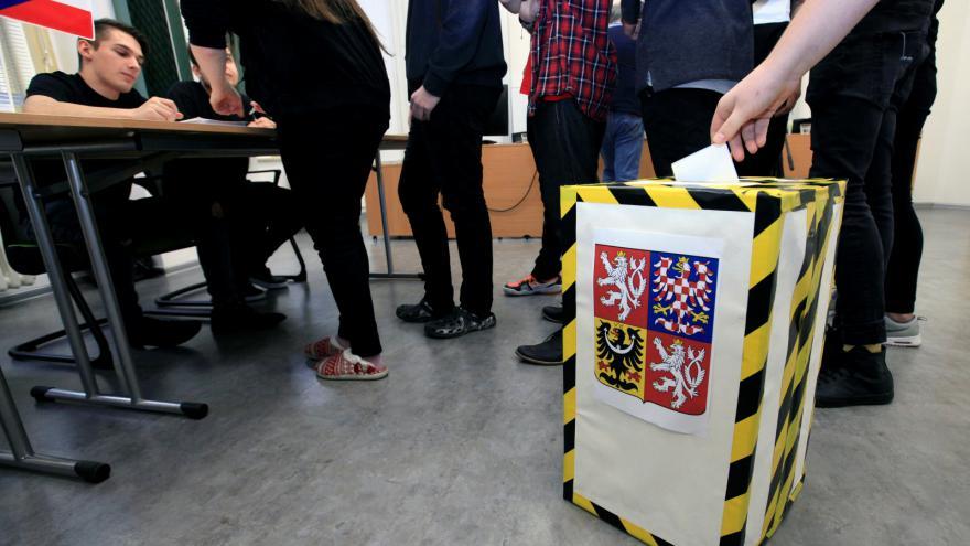 Video Události, komentáře: Šance na změnu volebního systému