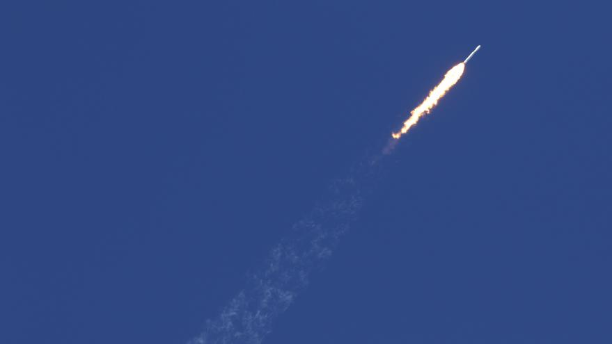 Video Falcon Heavy odstartovala k prvnímu letu