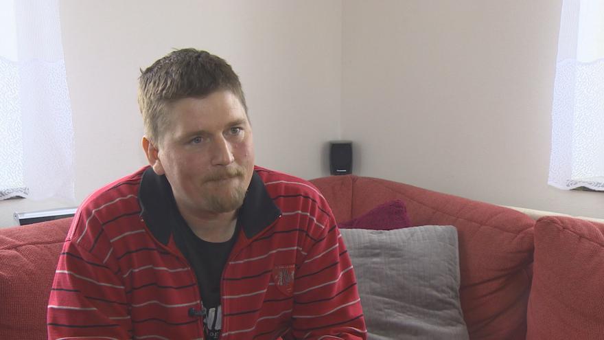 Video Rozhovor s mužem, který se otrávil paracetamolem
