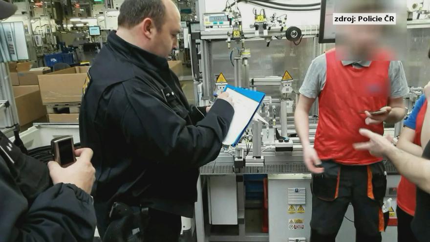 Video Kontrola ve výrobním závodě v Mikulově odhalila nelegálně pracující cizince