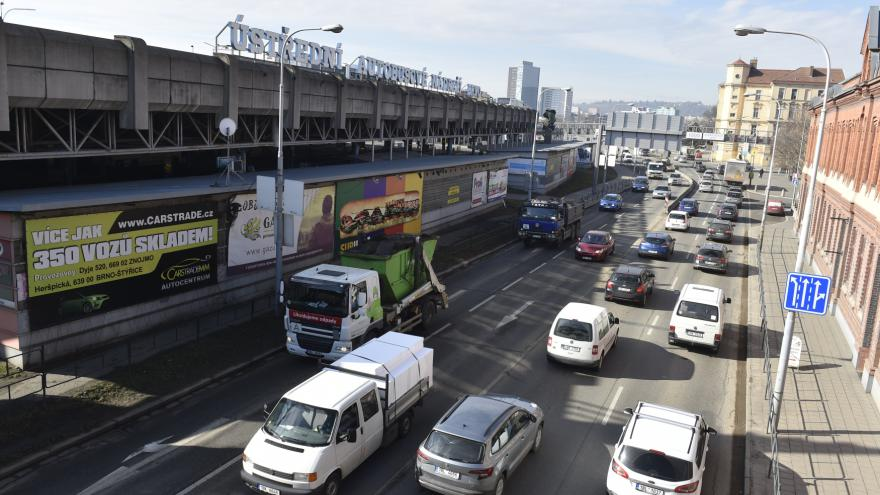 Video Provoz kolem autobusového nádraží Zvonařka se změní