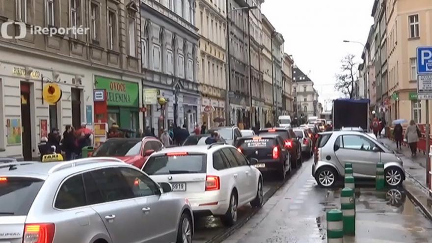 Video Dopravní kolaps na Žižkově