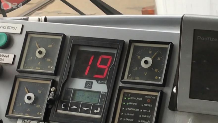Video Na olomouckých mostech platí omezení rychlosti