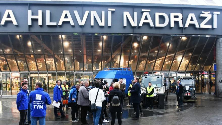 Video Události: Změny před Hlavním nádražím v Praze