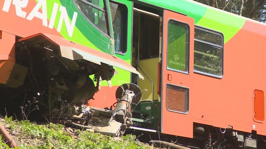 Video Bez komentáře: Nehoda vlaku u nádraží Křemže