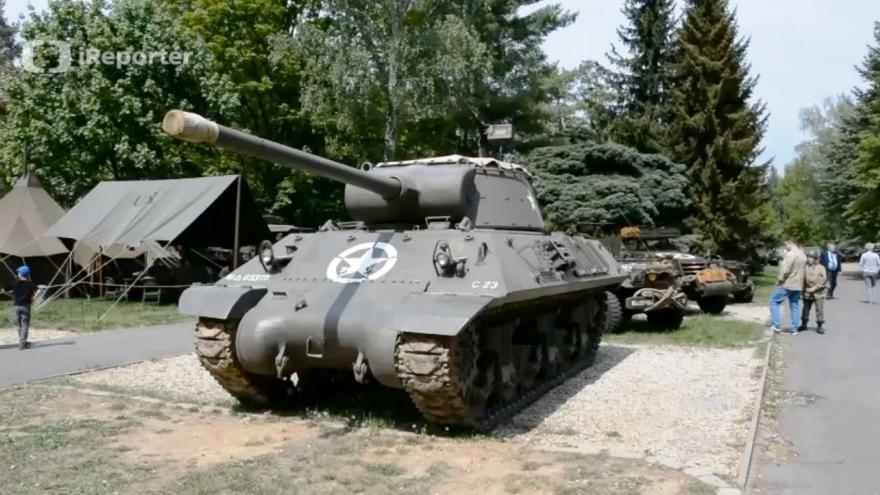 Video iReportér Josef Levý: Slavnosti svobody v Plzni - kemp za Plazou, tábor 16. obrněné divize US Army