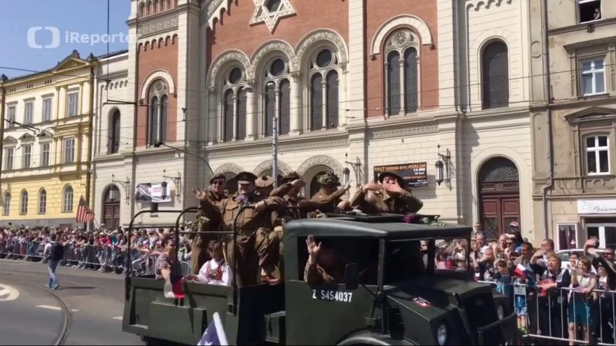 Video Konvoj svobody očima iReportérky Radky Jarischové