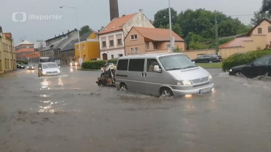 Video iReportér Josef Tovara: Blesková povodeň ve Slaném