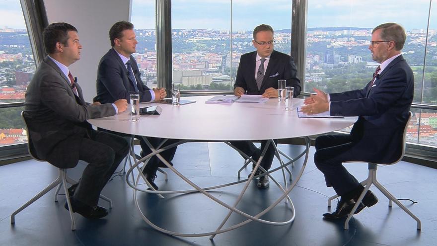 Video Otázky Václava Moravce: Jan Hamáček, Petr Fiala a Radek Vondráček