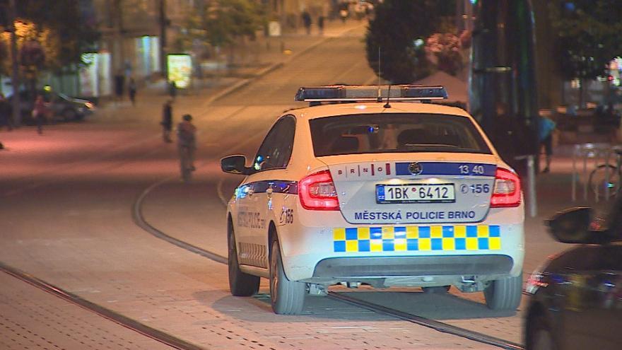 Video Nočních útoků v centru Brna přibývá