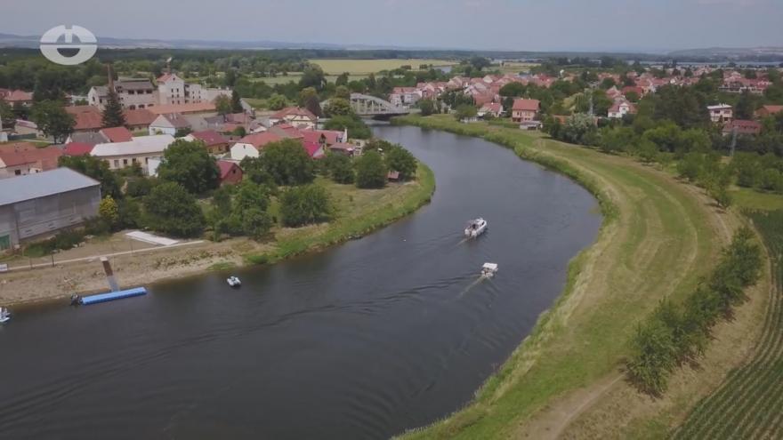 Video Lodní přístav v centru Otrokovic upadl v zapomnění