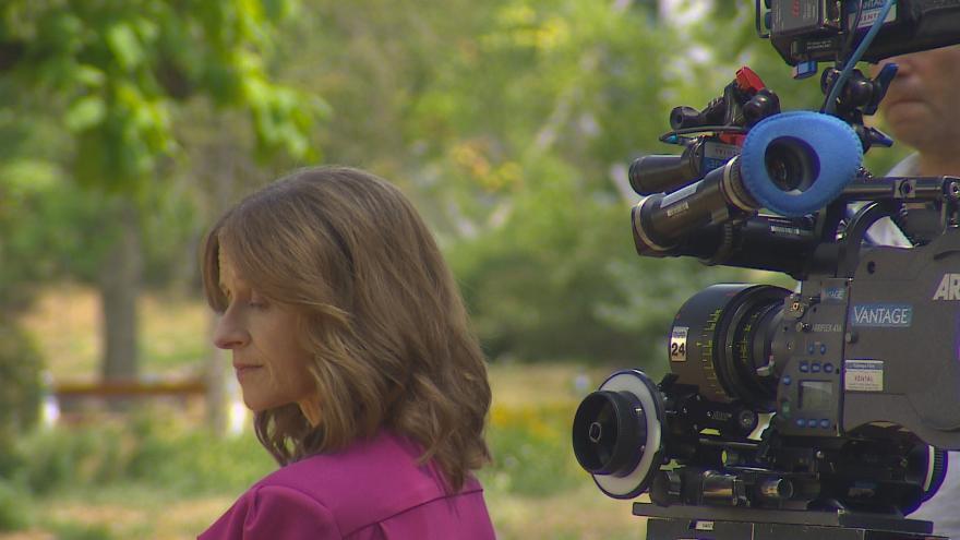 Video Americká režisérka se vrací do Brna za mládím své babičky