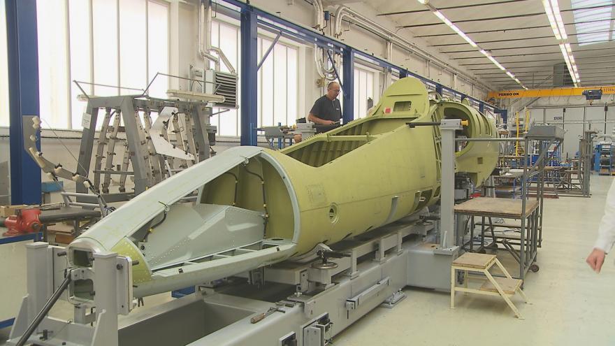 Video Letadla L-39 poletí do světa: Aero Vodochody je dodá do Portugalska a do Ameriky