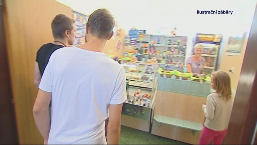 Video 90' ČT24 - Jak se stravují čeští školáci