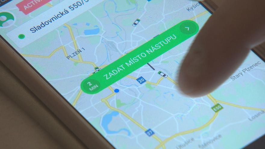 Video Studio ČT24: Spory mezi taxislužbami