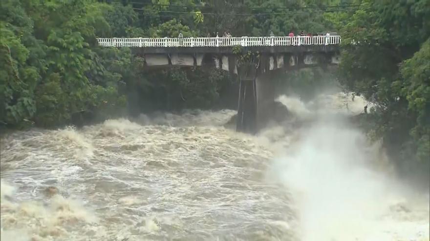 Video Část Havaje zasáhly bleskové povodně - předzvěst hurikánu Lane