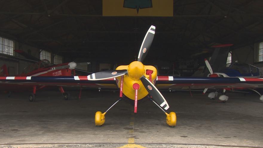 Video Let akrobatického pilota Martina Šonky