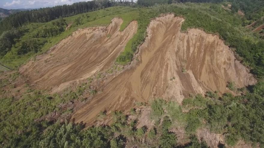 Video Japonsko zasáhlo silné zemětřesení