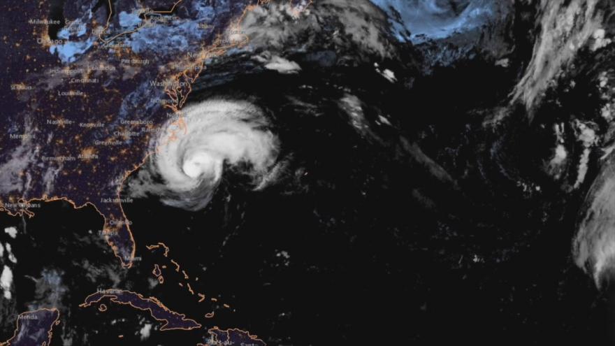 Video Pohyb hurikánu Florence k východnímu pobřeží USA - záběry z družice