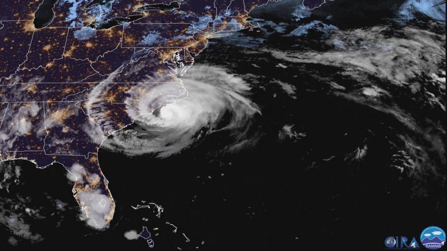 Video Jak postupuje hurikán Florence: záběry z družice