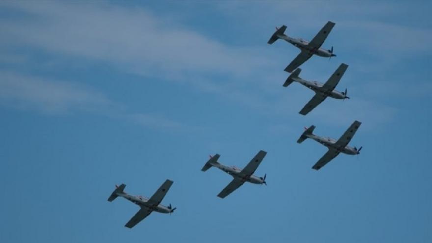 Video Letouny se slétají do Ostravy, piloti nacvičují sestavy na Dny NATO
