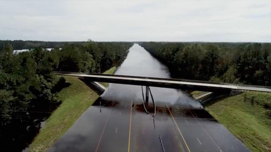 Video Když se dálnice změní v řeku: záplavy s Severní Karolíně pokračují