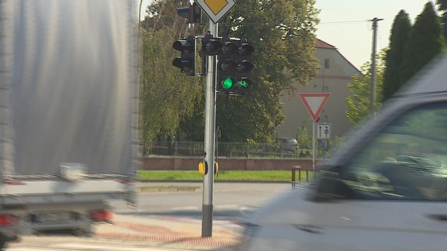 Video Průjezd Břeclaví urychluje zelená vlna