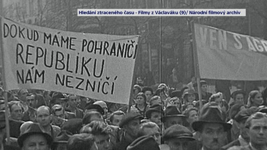 Video Demonstrace na Václavském náměstí a vyhlášení mobilizace