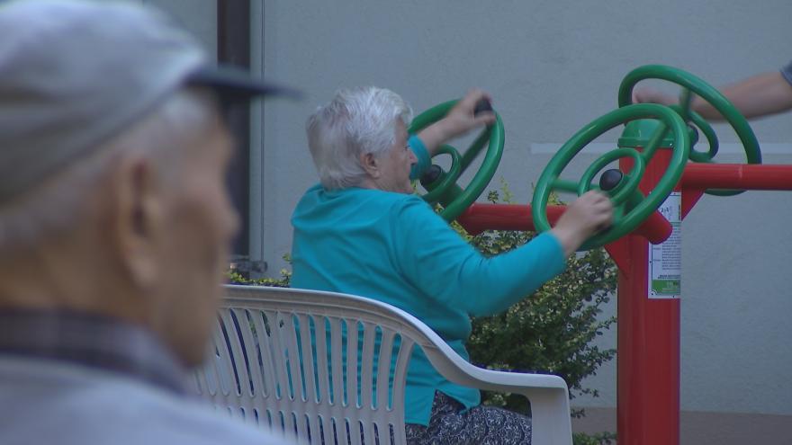 Video Aktivit pro seniory přibývá