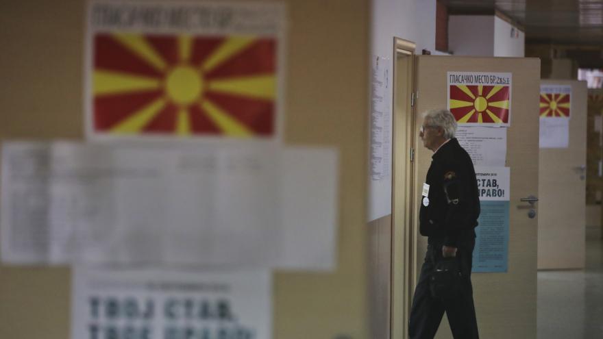 Video Makedonci k referendu o změně názvu státu nepřišli
