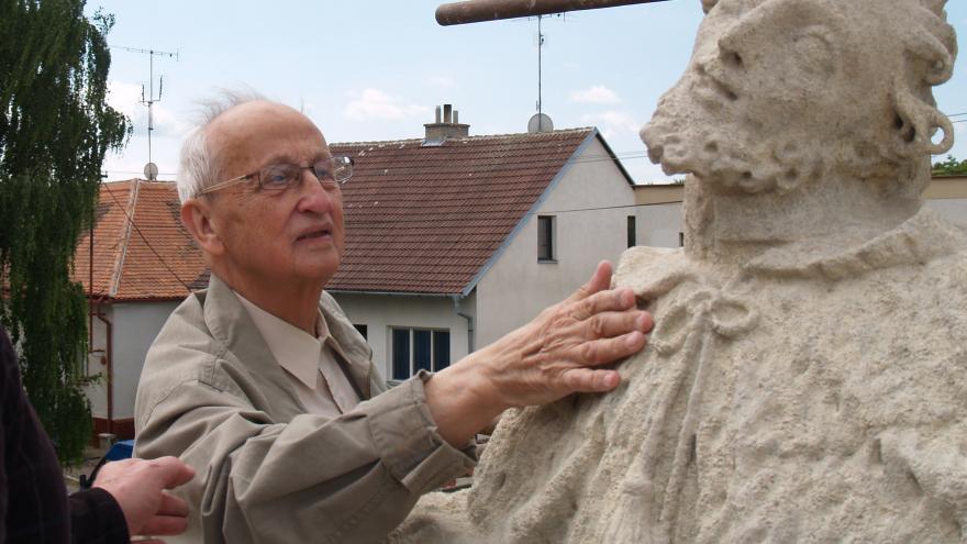Video Události ČT: O památky nejlépe pečují na zámku Třebešice nebo v Návarově
