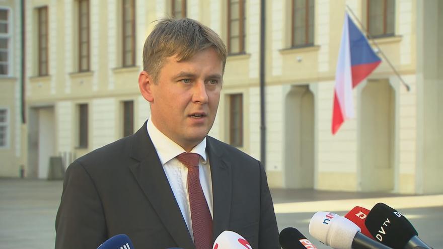 """Video Prezident Zeman přijal Petříčka, """"náhradníka"""" za Pocheho"""
