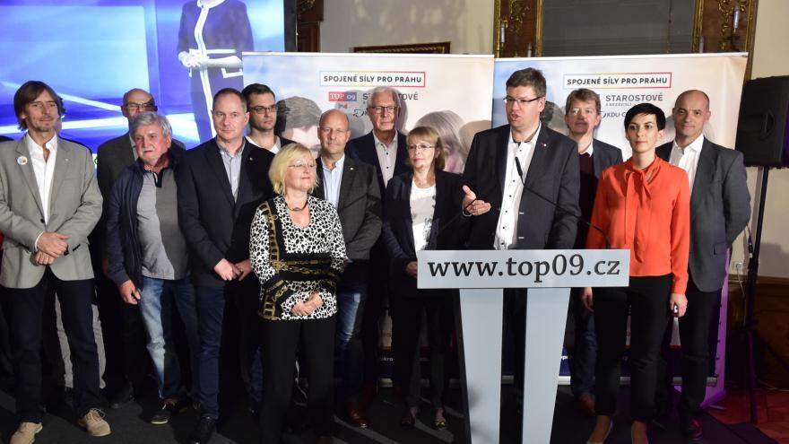 Video Tisková konference koalice TOP 09 a STAN k průběžným výsledkům voleb