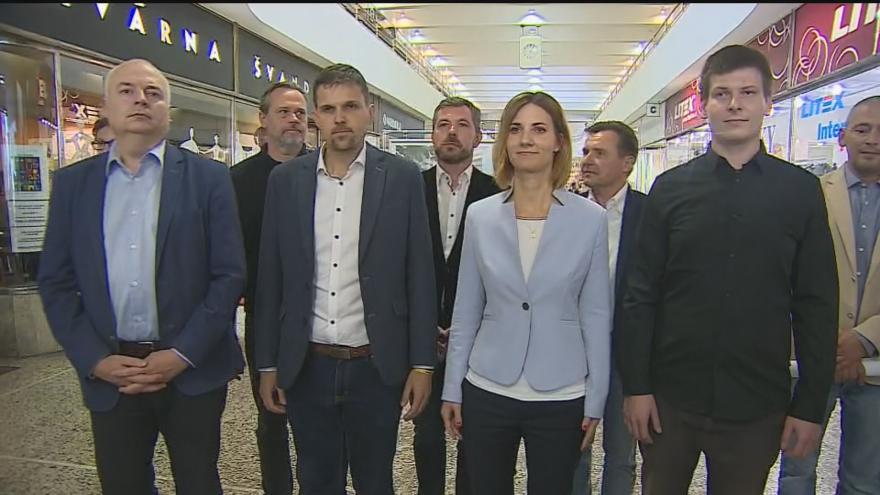 Video Zvrat v povolebním vyjednávání přišel v úterý, kdy zástupci ODS, Pirátů, KDU-ČSL a ČSSD oznámili možnou spolupráci