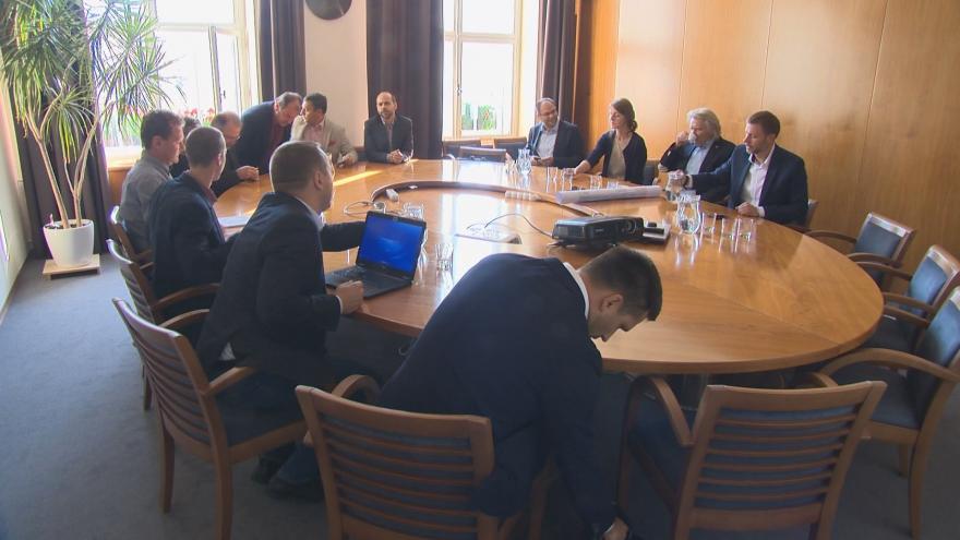 Video Jednání o zlínské koalici pokračují